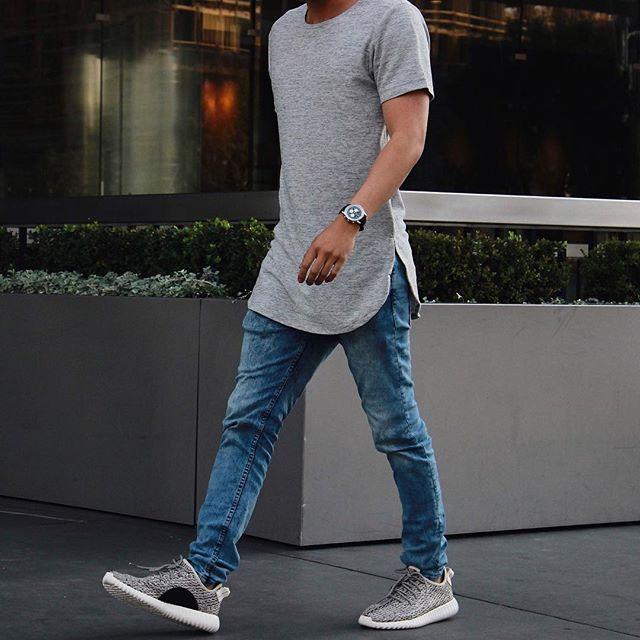 ⠀ #SimpleFits @orolosangeles • Tee: #OroLosAngeles • Jeans: #OroLosAngeles •…