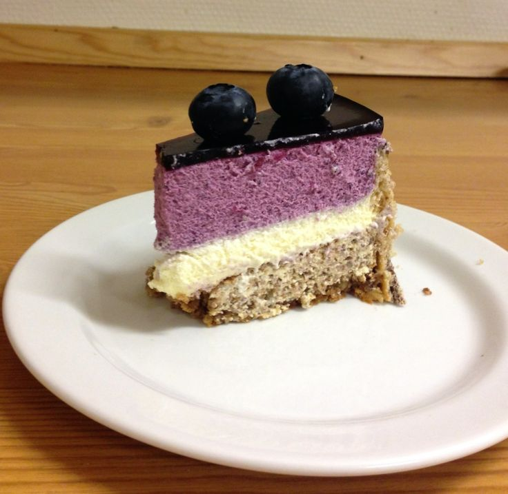 Mousse cake - ginger and blueberry