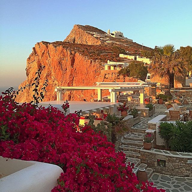 A typical #summer day at #Folegandros This #summer enjoy and have a beautiful time at this magnetic #Greekisland