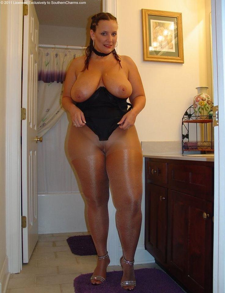 my mom up skirt