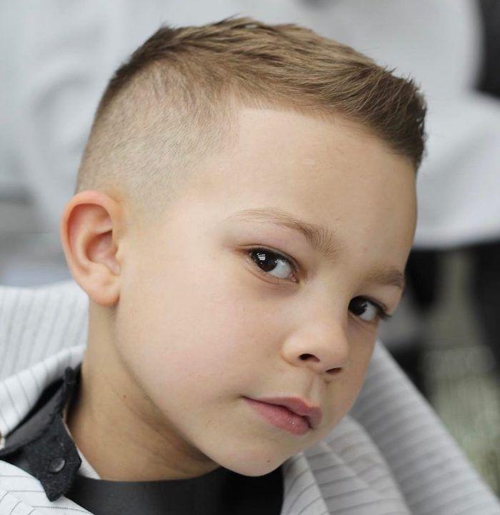 1001 Idees Mignonnes De Coupe Et Coiffure Pour Petit Garcon Coupes De Cheveux Pour Enfants Coupe De Cheveux Coiffure Ado Garcon