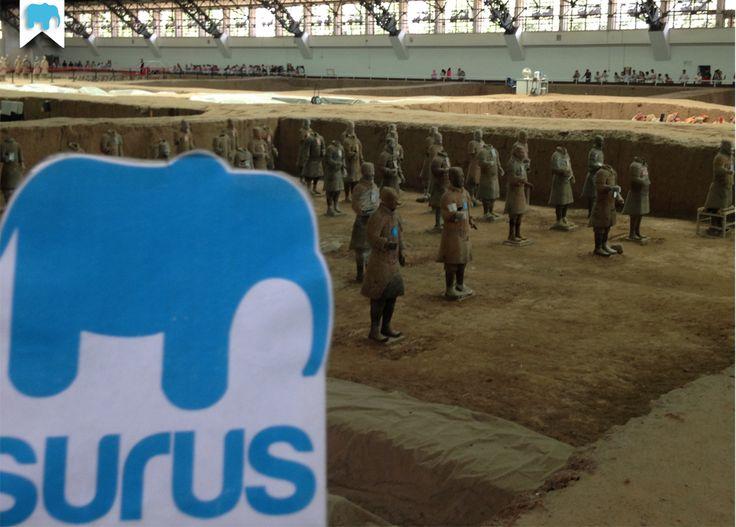 #Surus e l'Esercito di Terracotta nel Mausoleo del primo imperatore Qin a Xi'an (Cina) / Surus and the Terracotta Army inside Mausoleum of the First Qin Emperor (China) ☛ www.surus.org