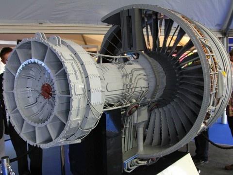 Lego Rolls-Royce Trent 1000 engine