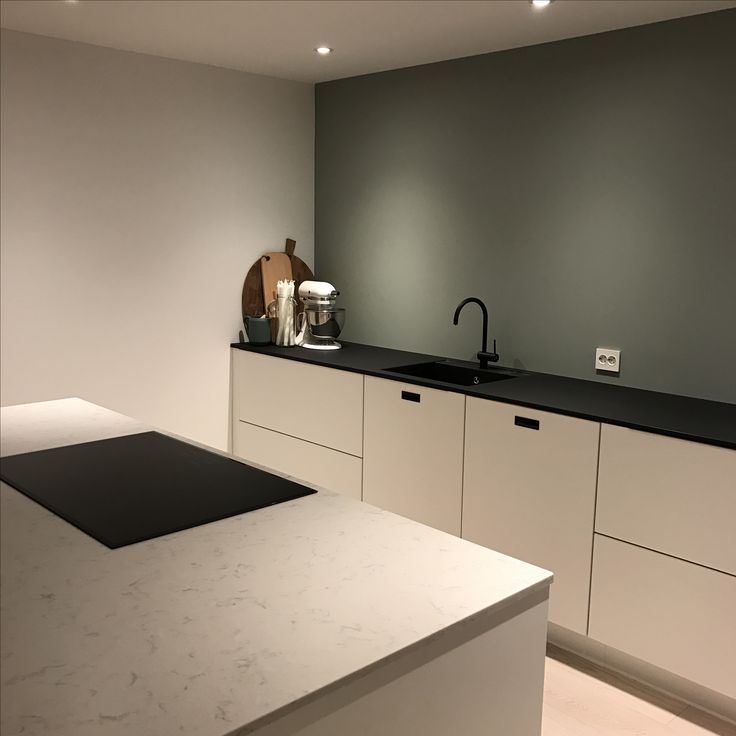 Kvik kitchen mano minty breeze wood black kitchen kjøkkenøy marmor silestone modern scandinavian minimalistisk