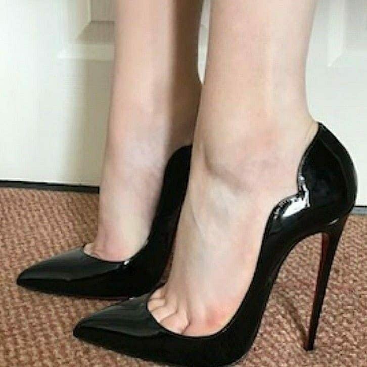 Pin by Charles on heel & garters | Black stiletto heels