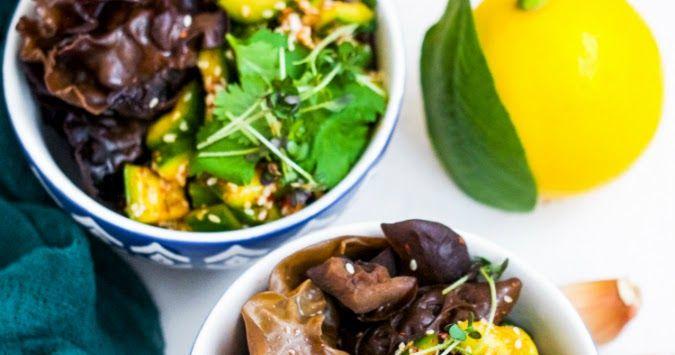 салат из битых огурцрв, азиатские рецепты, древесные грибы