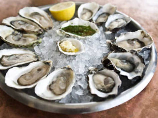 Best oyster happy hours NYC has to offer for a taste of the sea