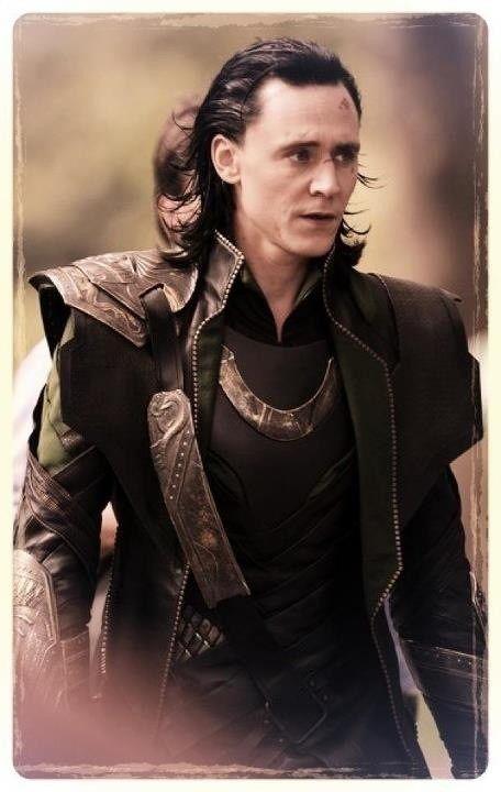 Loki Laufeyson >:)