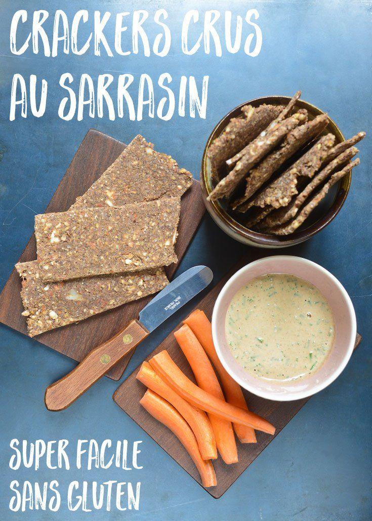 Une recette en 6 ingrédients seulement pour des crackers crus de sarrasin sans gluten, sains, savoureux et faciles à transporter.