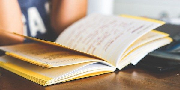 Comment est-ce que la lecture avant le petit déjeuner peut vous aider à devenir plus intelligent ?