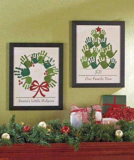 weihnachtliche Handabdrücke / Kinderkunst für die Wand
