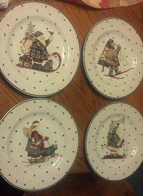 DEBBIE MUMM SAKURA CHRISTMAS SLEDDING CHARACTERS SALAD PLATES USED (4) & 29 best My Debbie Mumm Dishes images on Pinterest | Dinnerware Dish ...