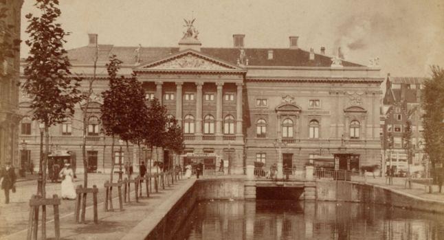 Oude stadsschouwburg op het Leidseplein 1880-1890