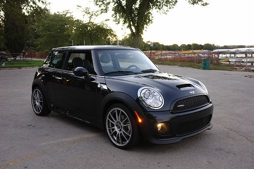 Absolute perfection #MINI #MiniCooper #Rvinyl ============================= http://www.rvinyl.com/MINI-Accessories.html