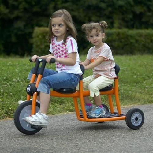 Велосипед для двух детей Italtrike Дружные соседи