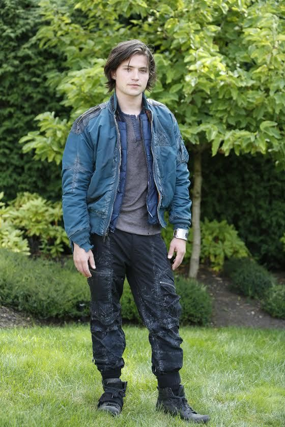 Finn Collins || The 100 cast behind the scenes || Thomas McDonell