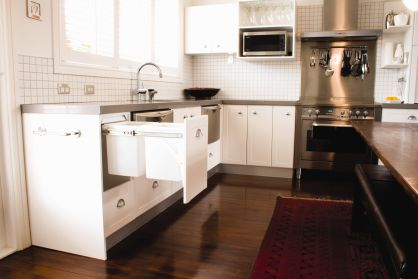 Incorporating practical day-to-day elements into a kitchen without affecting the overall design can be a challenge. Hideaway Bins are a practical solution to keep your bin out of sight. Easy to install, Hideaway Bins are a discreet space-saving solution, having little to no effect on other design elements.