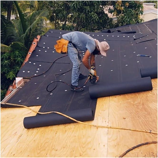 How To Fix A Leaking Roof By Yourself Home Roofing Tips Roof Problems Leaking Roof Roof Repair
