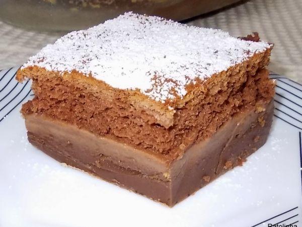 """Receita Sobremesa : Bolo mágico de chocolate de Ratolinha///Uma espécie de pudim na base seguida de uma camada tipo """"mousse"""" e por último massa de bolo esponjoso."""