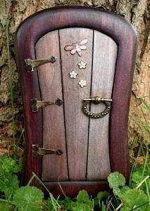 17 best images about fairy doors on pinterest the for Purple fairy door