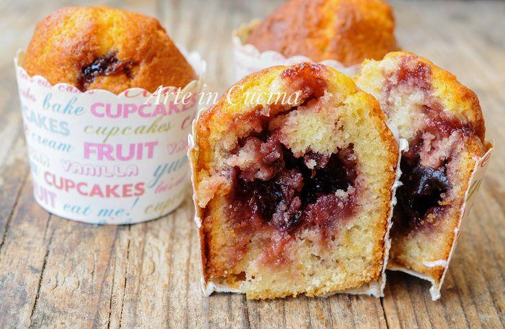 Muffin cuore di marmellata morbidi, ricetta facile e veloce, dolci da merenda, colazione, soffici, piacciono anche ai bambini, dolci senza burro e senza robot