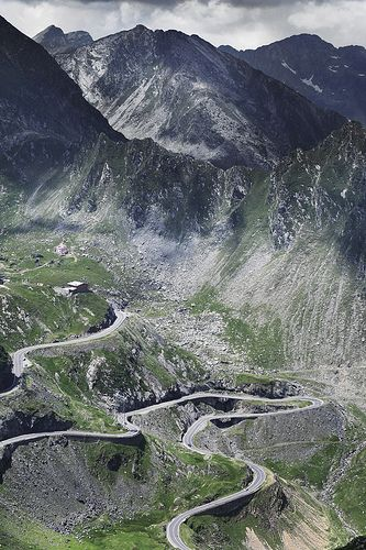 Drive the Transfagarasan Road, Romania, www.romaniasfriends.com
