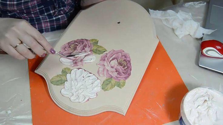 Декупаж. Часы -объемные розы. Работа со шпатлевкой.
