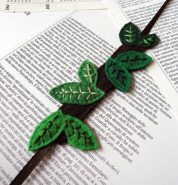 Leaves bookmark