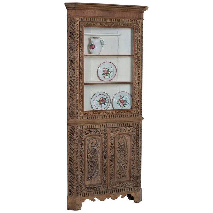 Georgian Style Antique English Oak Corner Cabinet, circa 1860 | 1stdibs.com