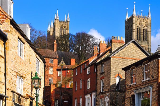 4-Day England and North Wales Tour: Stratford-upon-Avon, Snowdonia and Cambridge Discover the best of England and north Wales on a 4-day small-group tour from London! Spending nights Chester and Lincoln, the tour showcases all the history-steeped market towns, cities and breathtaking national parks in between. Walk in the footsteps of Shakespeare at Stratford-upon-Avon, visit the UNESCO site of Ironbridge Gorge, and combine history and nature in north Wales with visits t...