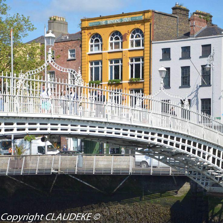 Ha'Penny Bridge Dublin © CLAUDEKE www.claudeke.com