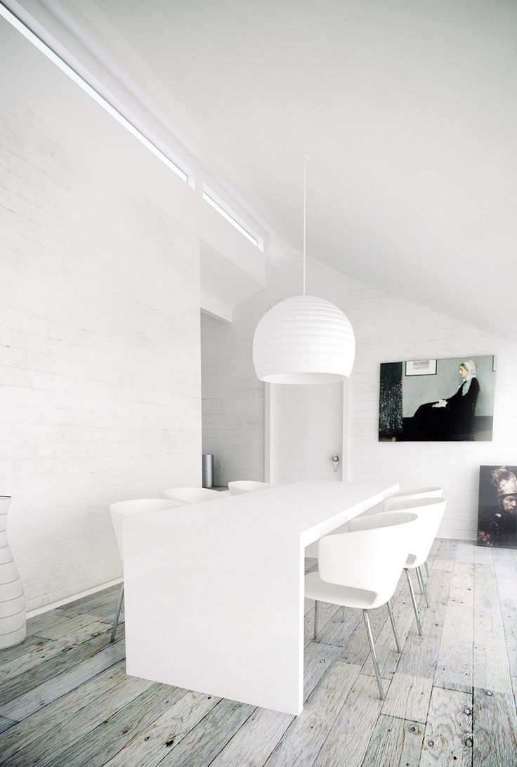 .Dining Rooms, Weather Wood, White Spaces, Wood Floors, Grey Wood Floor, White Interiors, Design, White Wall, Meeting Room