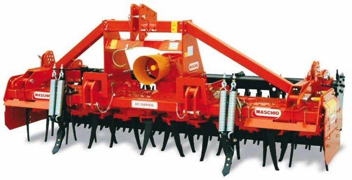 Σβολοκόπτης Ιταλίας MASCHIO DRAGO DC RAPIDO, ιδανικός για μικρές και μεσαίες φάρμες. Έχει στοιβαρή κατασκευή, σχετικά μικρό βάρος και μπορεί να χρησιμοποιηθεί ταυτόχρονα με σπαρτικές μηχανές. Ο σβολοκόπτης MASCHIO DRAGO DC Rapido διαθέτει σύστημα ταχείας αντικατάστασης των μαχαιριών και είναι κατάλληλος για τρακτέρ (ελκυστήρες) 80HP-150HP