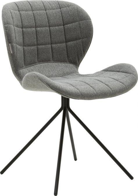 Zoom is een moderne designstoel met een verfijnd zwart frame en stijlvolle ruitstiksels. Deze eetkamerstoel zonder arm in muisgrijze kleur geeft ieder interieur een moderne uitstraling. Door het ergonomische design is Zoom niet alleen een lust voor het oog, maar ook zeer comfortabel.