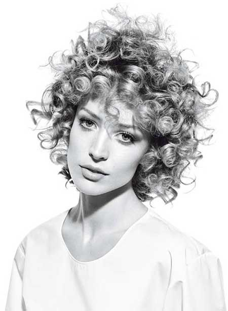 40 Cute Curly Hairstyles | Art and Design