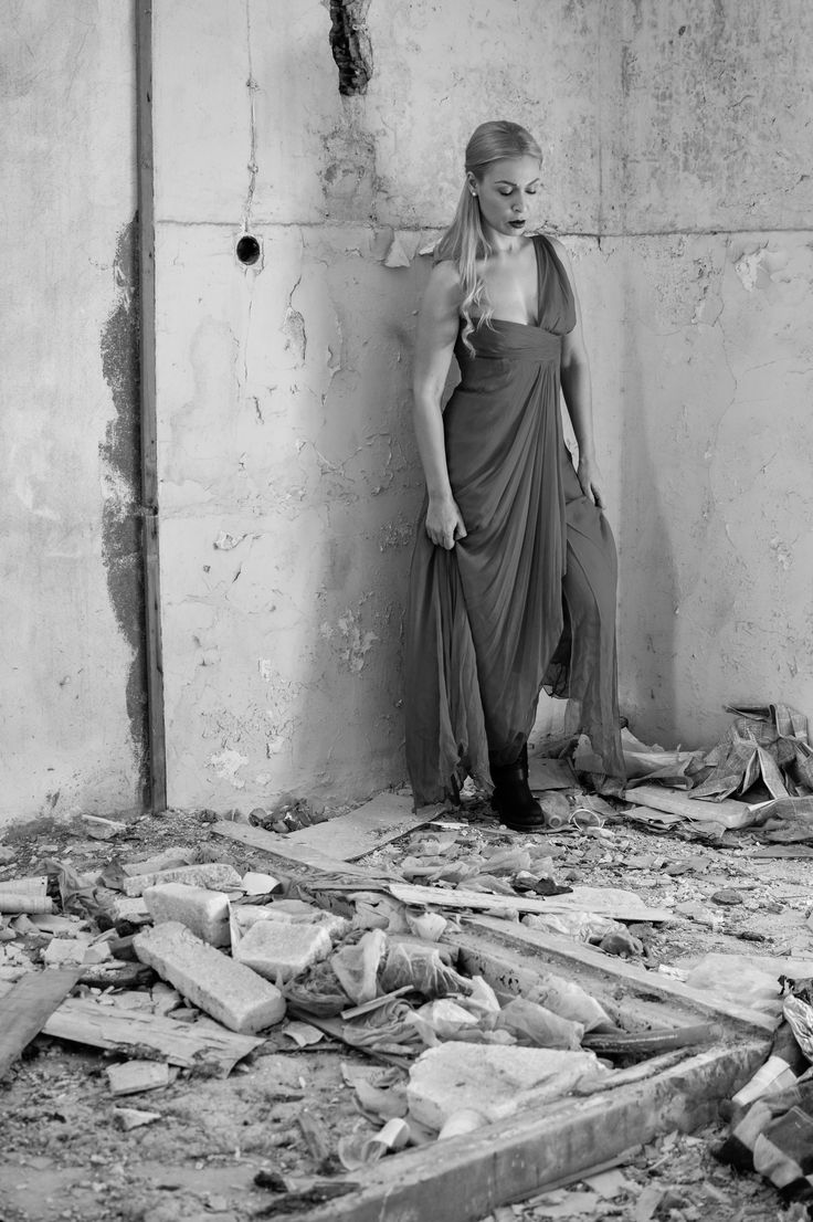 ruins and the dress