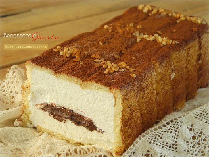 Semifreddo con farcitura Nutella e panna. semplice e buonissimo