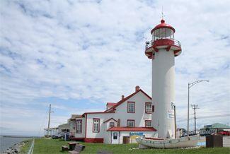 #Lighthouse - Matane, PQ http://dennisharper.lnf.com/