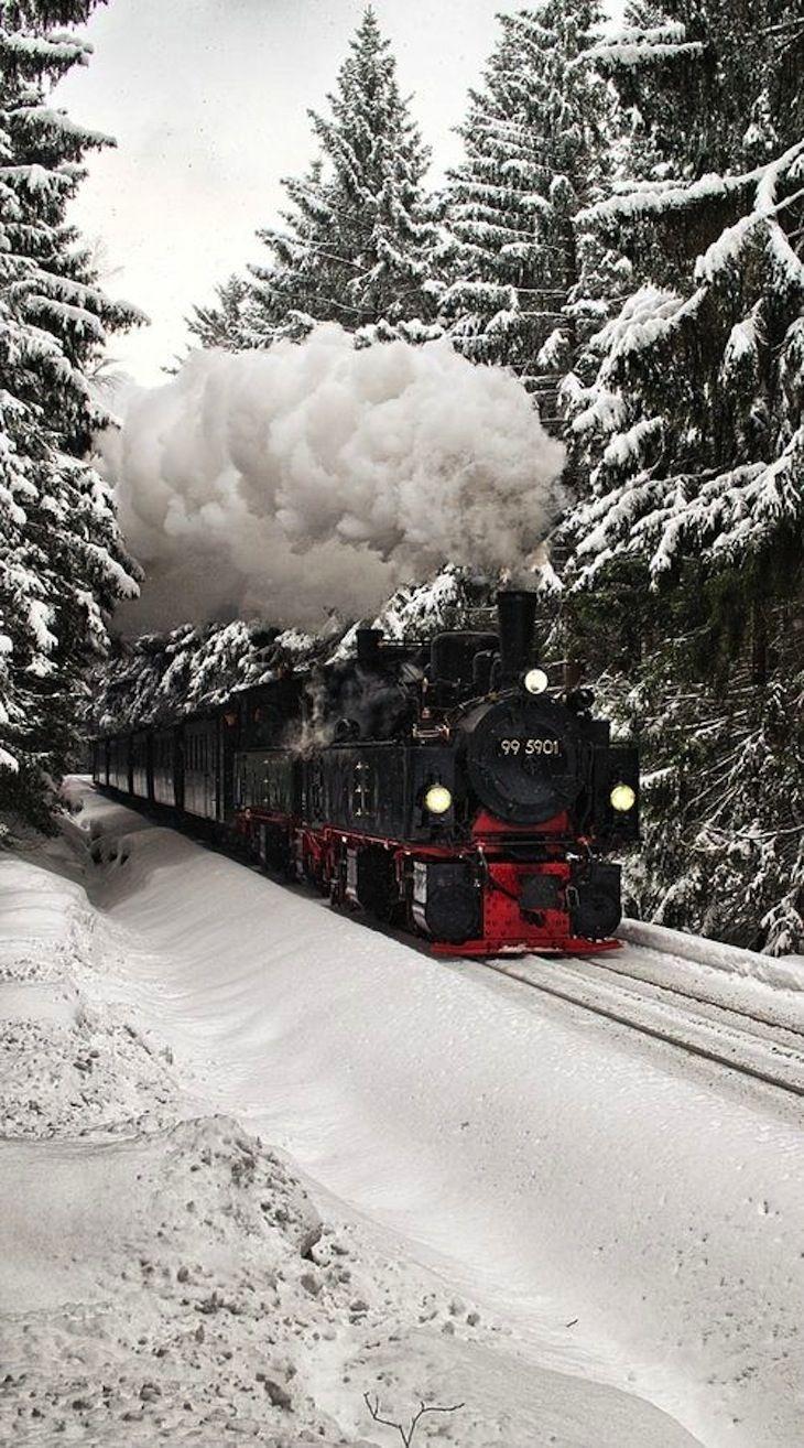 TOP 10 Stunning Railway Routes Around the World