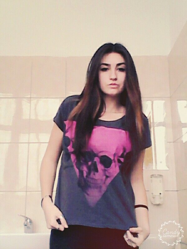 #outfit #skull #triangle #shirt