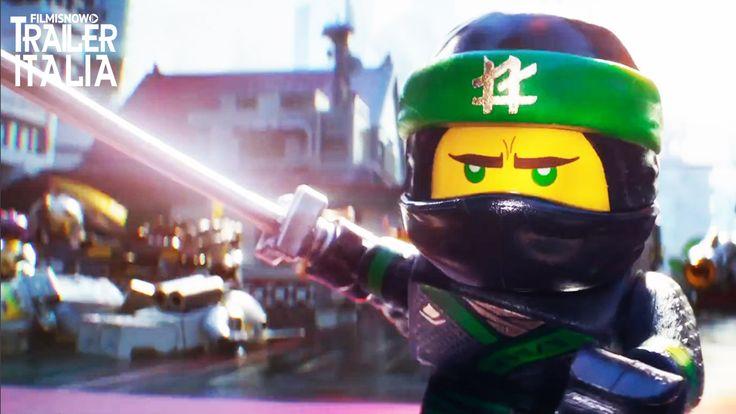 Il trailer italiano del nuovo filmd'animazione dei Lego, stiamo parlandodi Lego Ninjago – Il film. In questa avventura Ninjago per il grande schermo, la battaglia per la difesa di Ninjago City chiama all'azione il giovane Lloyd, alias il Ninja Verde, insieme ai suoi amici, che in segreto sono tutti guerrieri e LEGO Master Builder. Guidati ...
