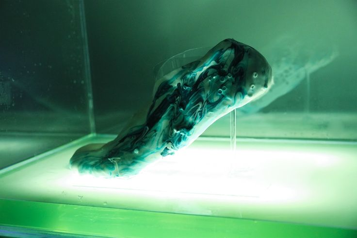 3D-printed bio-shoes could repair themselves via @CNET