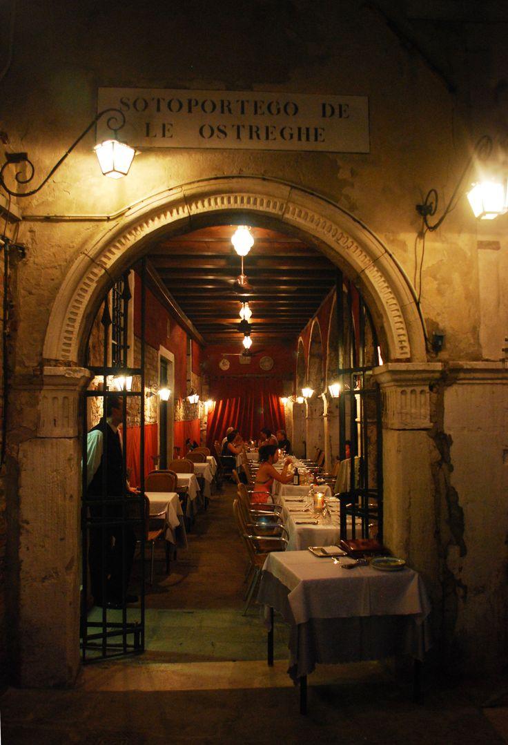 Venice - Sotoportego de le Ostreghe