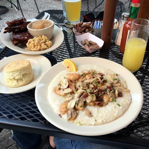Sharing a round up of the best restaurants in Charleston, SC - plus where to stay and what to do.