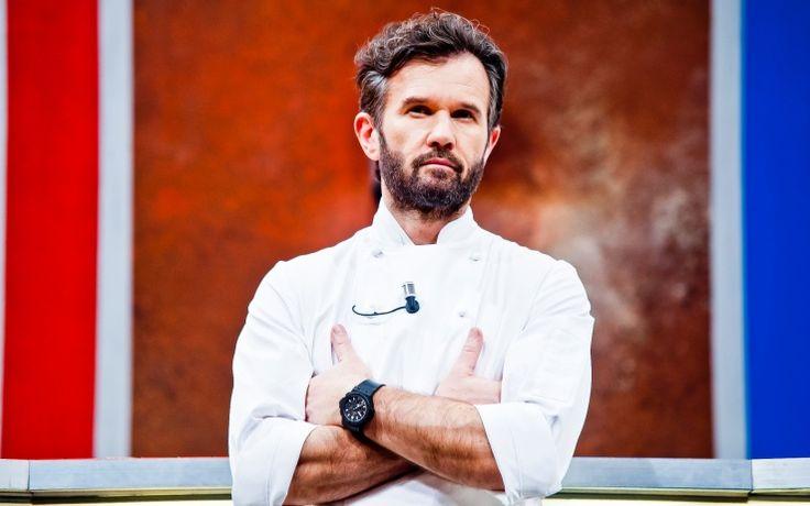 Il giudice e mentore Carlo Cracco torna più agguerrito che mai nella terza stagione del cooking show più adrenalinico della tv. Hell's Kitchen Italia ti aspetta dal 4 ottobre ogni martedì alle 21.15 solo su Sky Uno. L'intervista allo chef