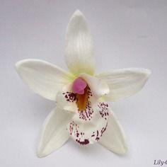 Fleur artificielle orchidée fine pétale dégradé blanc 7,5cm pour barrette cheveux  x1