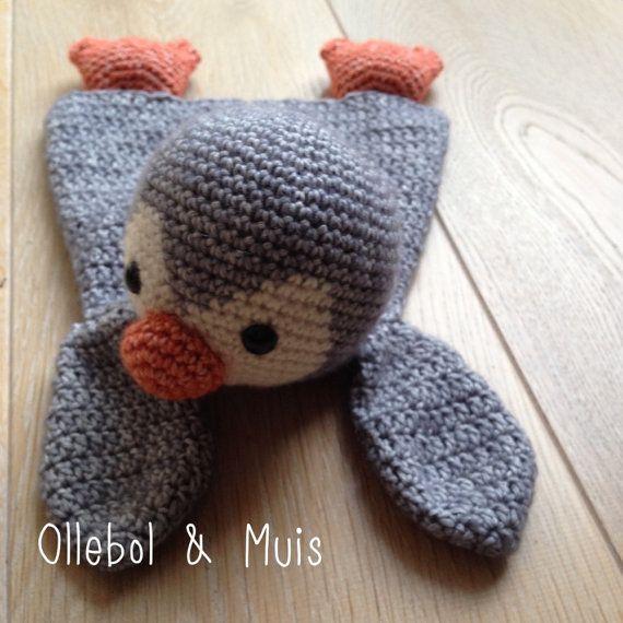 Gehaakte pinguin pinguin knuffelpop pinguin knuffel door Ollebol