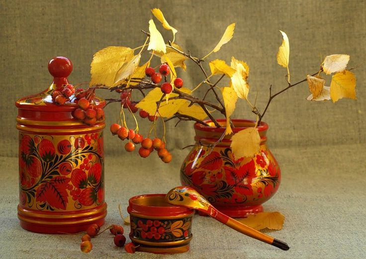 A still life. Wooden dishes are decorated with Russian folk Khokhloma painting. #art #folk #painting #Russian