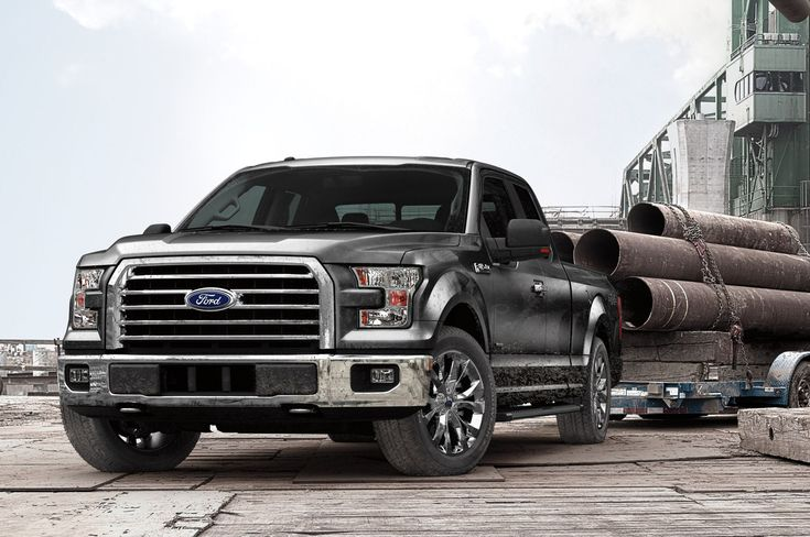 2015 Ford F-150 XL front view