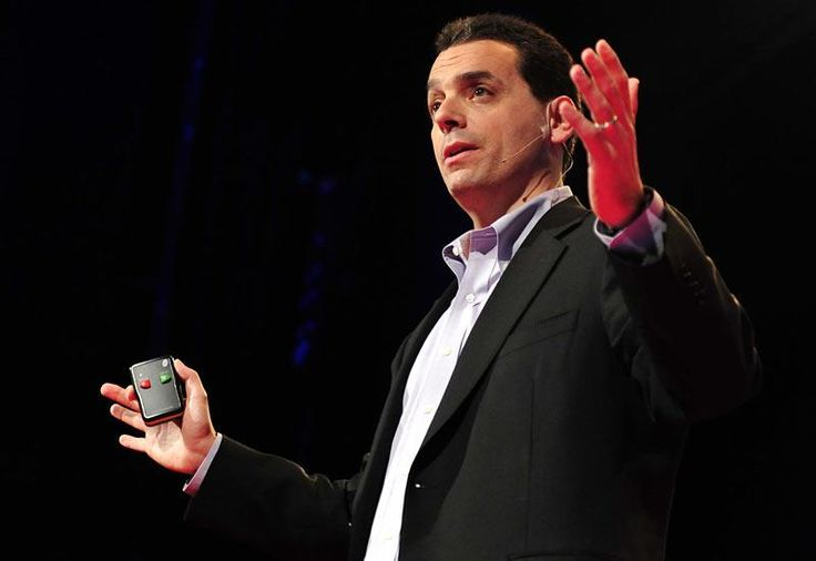 Career analyst Dan Pink examines the puzzle of motivation, starting with a fact that social scientists know but most managers don't: Traditional rewards aren't always as effective as we think. Listen for illuminating stories -- and maybe, a way forward.